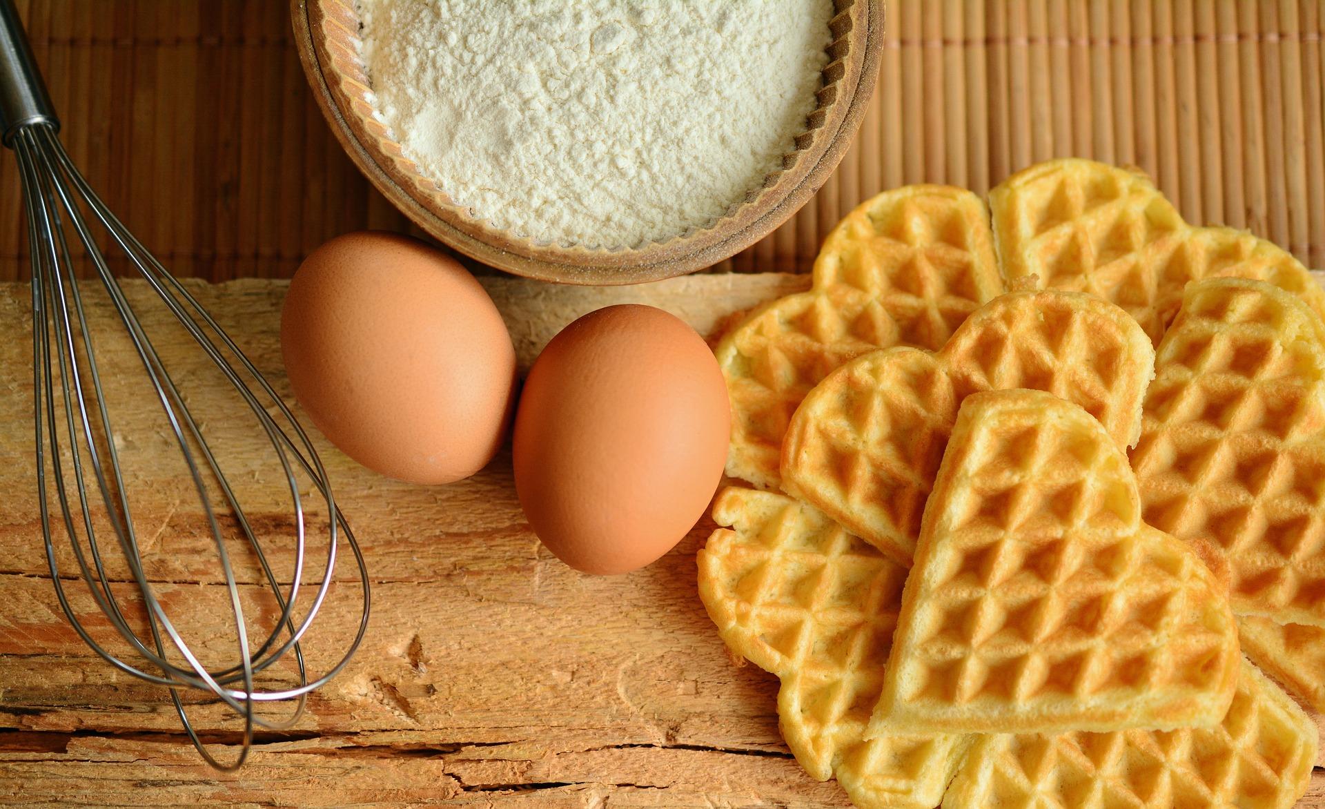 Drewniane akcesoria i naczynia do wyroby ciasta - czego potrzebujesz?
