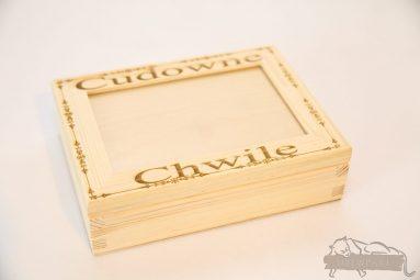 Drewniane pudełko na koperty ślubne małe-grawer 16