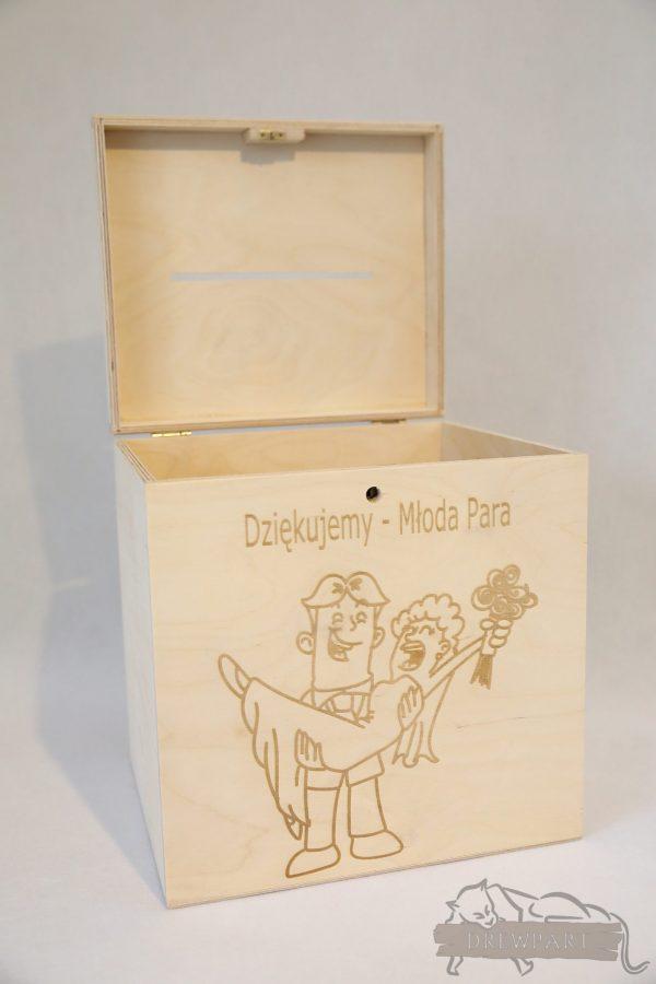 Drewniane pudełko na koperty ślubne małe-grawer 1