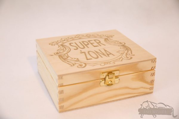 Pudełko drewniane 15,5x14,5 - grawer